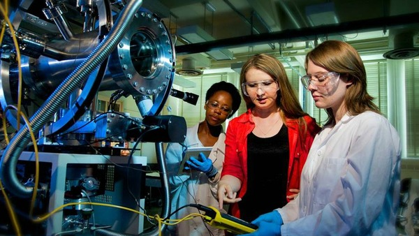 Elite group of students selected to advance research in energy at Notre Dame